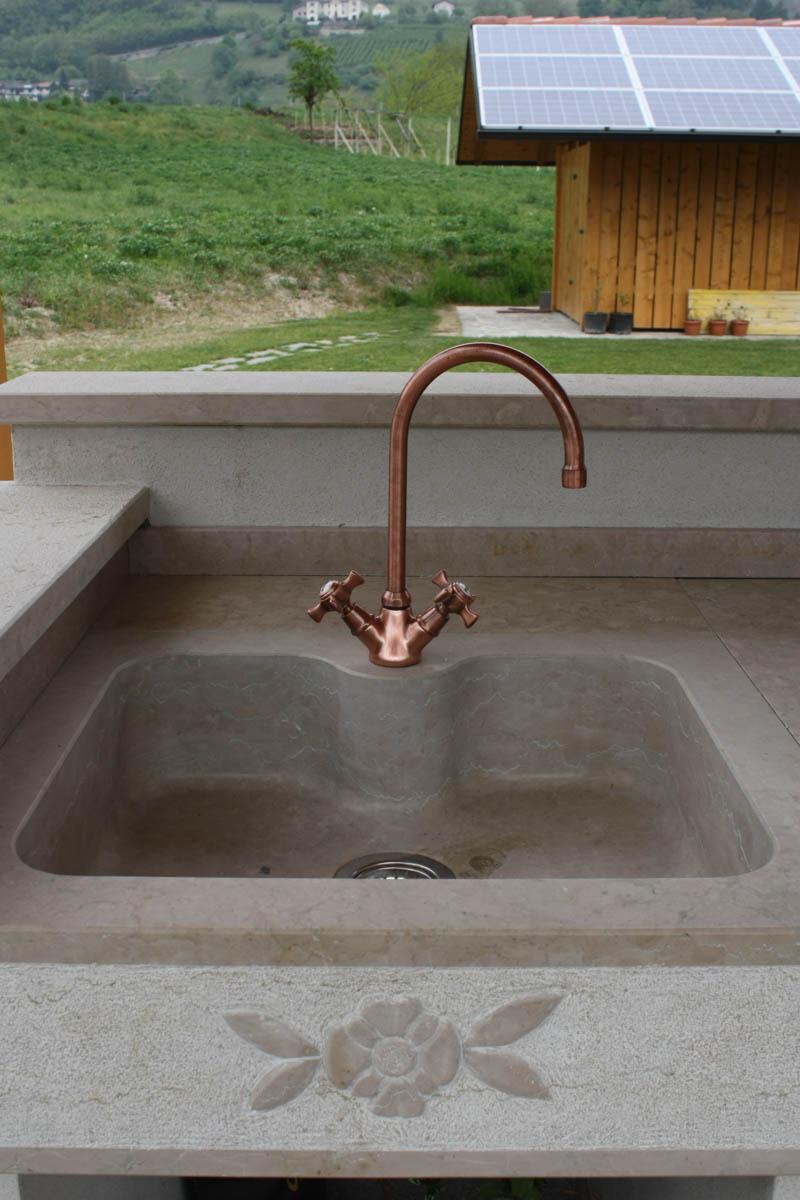 Piano di lavoro e lavello per cucina esterna - Lagorai Pietre