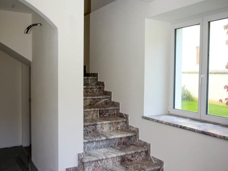 scale in marmo per interni in Valsugana