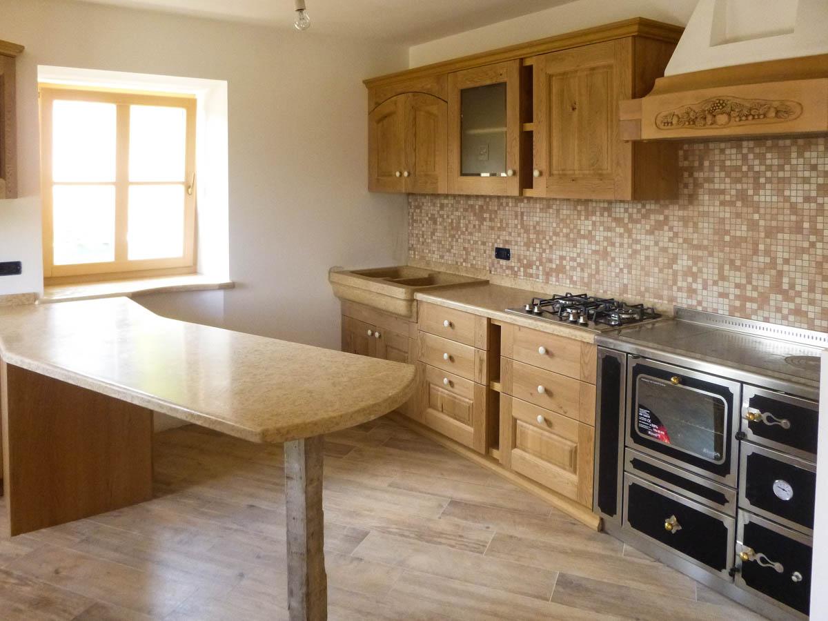 Piani per cucine in pietra e marmo in Trentino - Design interni in marmo