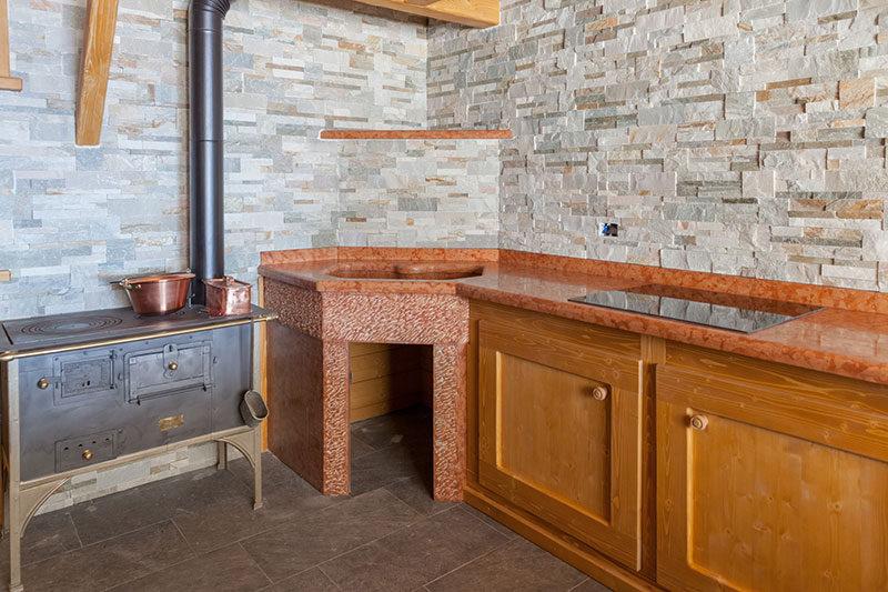 Design in pietra e marmo per interni di lusso