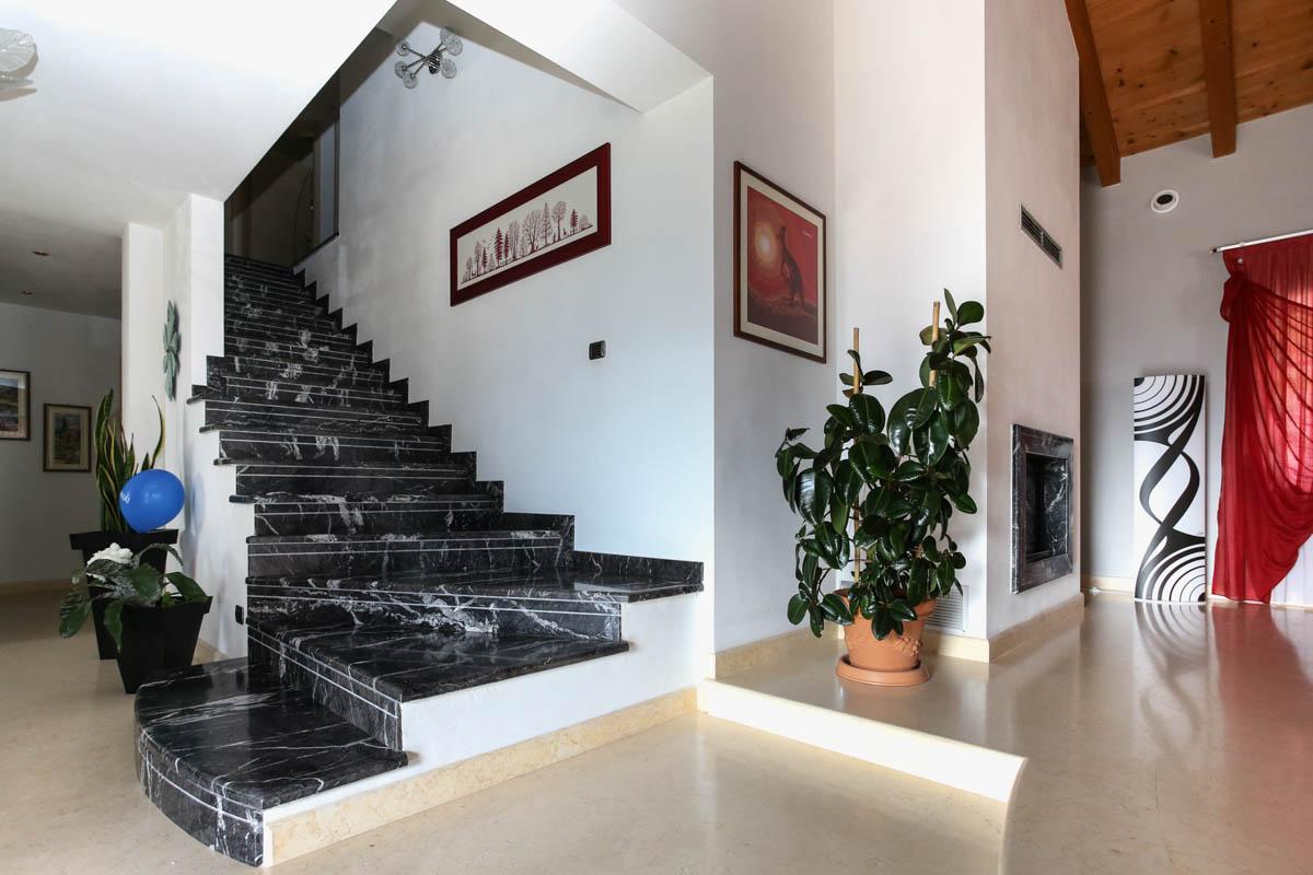 Scala In Marmo Nero scala in marmo grigio carnico in val di sole - lagorai pietre